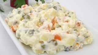En kolay, en lezzetli rus salatası tarifi...