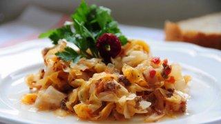 Kıymalı kapuska yemeği tarifi... Kıymalı kapuska nasıl yapılır? Malzemeleri nelerdir?