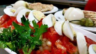 Kuru fasulye piyaz salatası nasıl yapılır, malzemeleri nelerdir?