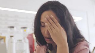 Baş ağrısı neden olur, nasıl geçer? Baş ağrısına ne iyi gelir?