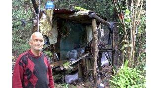 66 yaşındaki emekli kurduğu sistemle kendi elektriğini üretiyor...