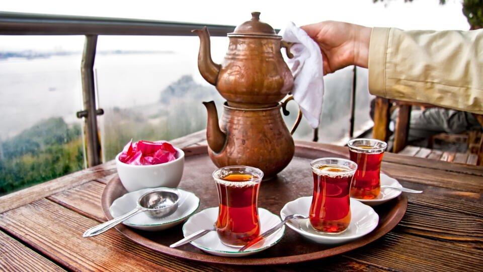 Çayın faydaları ve zararları nelerdir?