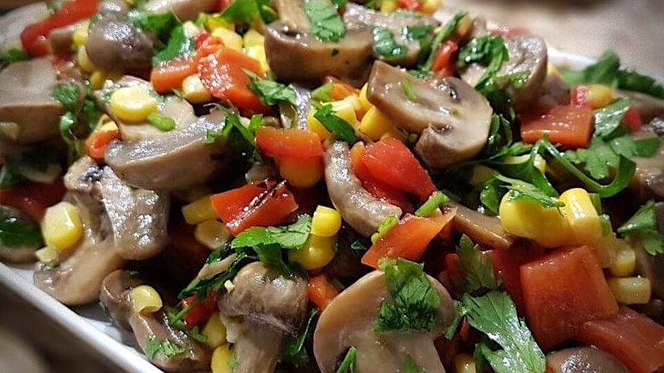 Mantar salatası nasıl yapılır? En kolay mantar salatası tarifi...