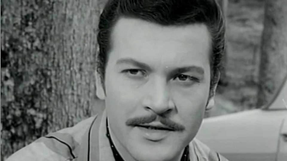 Yeşilçam'ın efsane ismi oyuncu, yönetmen ve senarist Kartal Tibet vefat etti