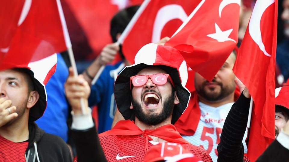 İtalya'dan skandal karar: Türk taraftarlar ülkeye alınmayacak!