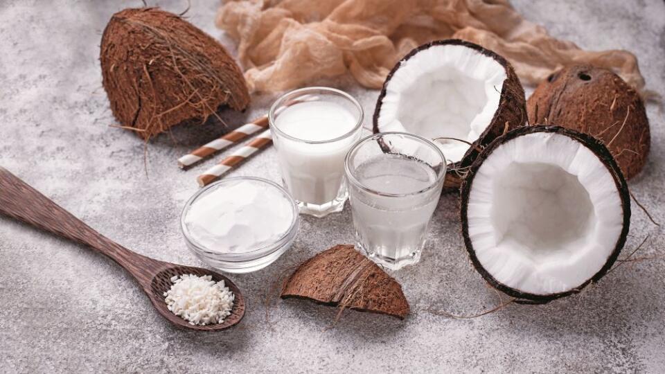 Hindistan cevizinin faydaları nelerdir? Hindistan cevizi suyunun ve sütünün yararları