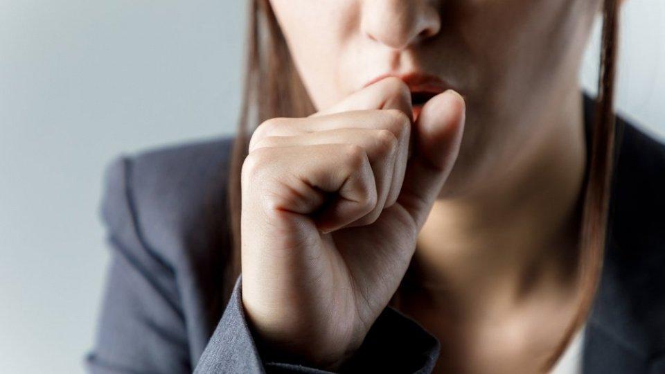 Öksürük nedenleri nedir, nasıl geçer? Kuru öksürüğe ne iyi gelir?