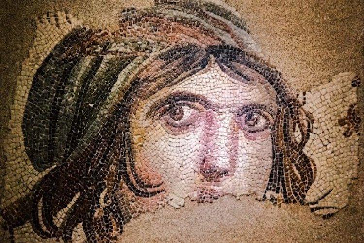 Çingene Kızı mozaiğinin ABD'deki eksik parçaları Türkiye yolunda...
