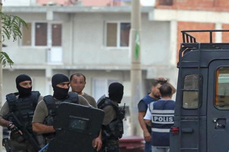 Ağrı'da terör operasyonu: 15 kişi gözaltına alındı, çok sayıda silah ele geçirildi