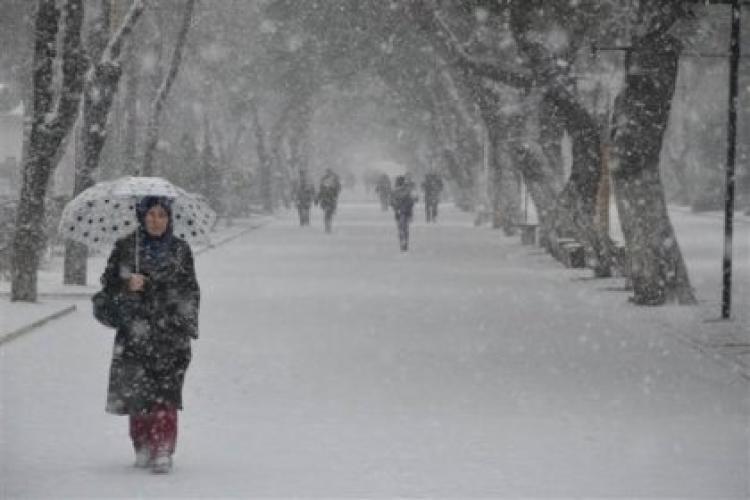 İstanbulda beklenen kar yağışı yeniden başladı